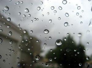 Les médias : une fenêtre sur le monde...des médias.La pluie sur la fenêtre 2 par Mikaela Dunn