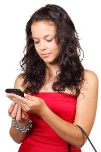 Femme sms lecture par Petr Kratochvil