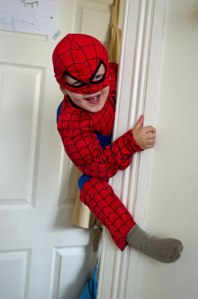 Petit Spiderman par George Hodan