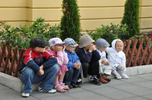 Enfants par Marcin Bartkowiak Défendre les enfants à naître ne suffit pas. Il faut aussi défendre ceux qui sont nés.