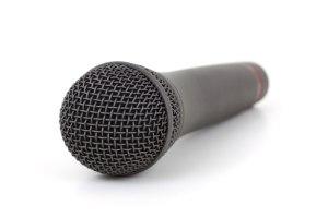 Microphone sans fil par Petr Kratochvil Le débat est-il connecté ou déconnecté de la réalité ?