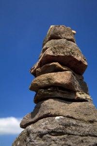 L'équilibrage des roches par Petr Kratochvil Une génération solide, stable et libre ? Ou...