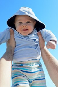 http://www.publicdomainpictures.net/pictures/30000/nahled/baby-against-blue-sky.jpg