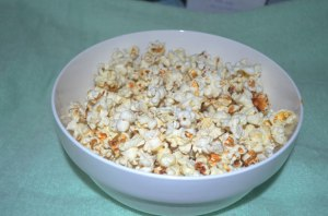 http://www.publicdomainpictures.net/pictures/20000/nahled/popcorn-bowl.jpg