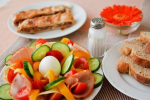 http://www.publicdomainpictures.net/pictures/10000/nahled/healthy-breakfast-871287410500r0Je.jpg