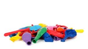 http://www.publicdomainpictures.net/view-image.php?image=18119&picture=ballons-de-fete-isolees&large=1