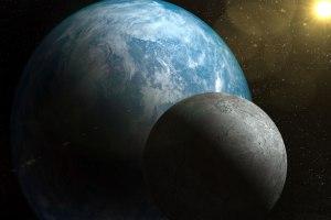 http://www.publicdomainpictures.net/view-image.php?image=32857&picture=zoom-planete-et-de-la-lune&large=1