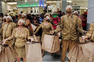 La vie du consommateur : une vie vouée au culte de l'éphémère, dont le propre est l'annulation de l'espérance de vie du désir...
