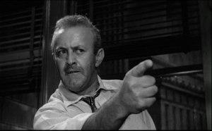 """Douter, moi ?  Lee J. Cobb, le """"juré numéro 3"""", dans une scène du film """"Douze hommes en colère"""" de Sidney Lumet (1957)"""